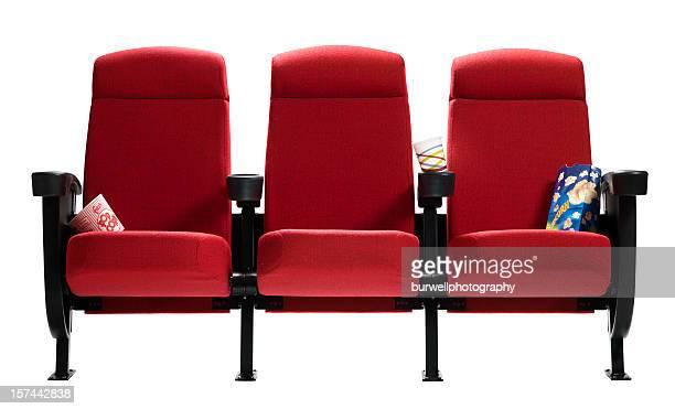 Drei Kinos mit popcorn Taschen, isoliert