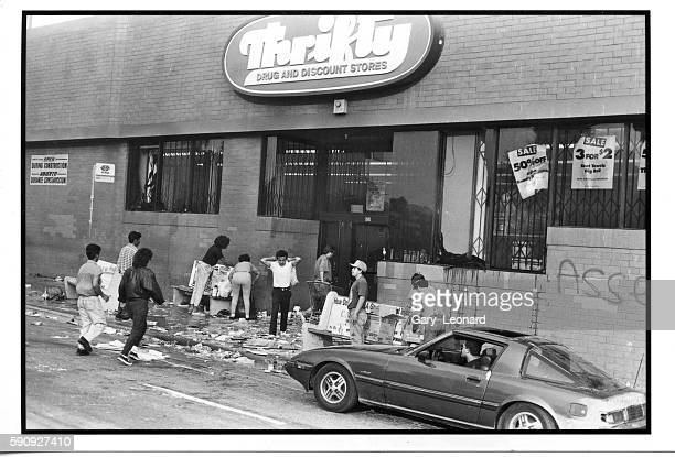 Thrifty Drugs store looters