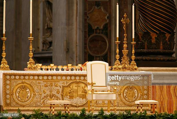Throne and altar in St Peter's basilica
