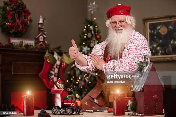 Thumbs Up Santa en magasin de jouets