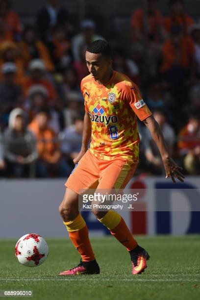 Tiago Alves of Shimizu SPulse in action during the JLeague J1 match between Shimizu SPulse and Yokohama FMarinos at IAI Stadium Nihondaira on May 27...