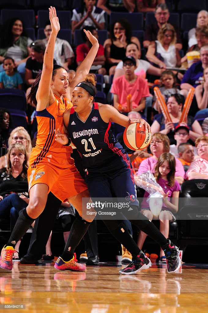 Tianna Hawkins #21 of the Washington Mystics handles the ball against the Phoenix Mercury on May 29, 2016 at Talking Stick Resort Arena in Phoenix, Arizona.
