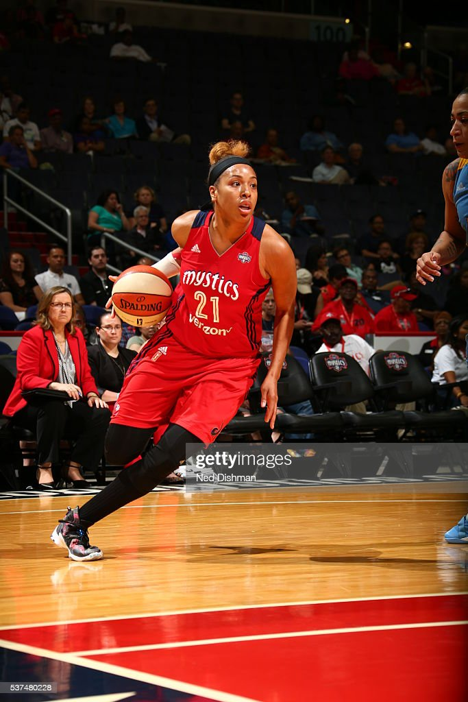 <a gi-track='captionPersonalityLinkClicked' href=/galleries/search?phrase=Tianna+Hawkins&family=editorial&specificpeople=6559085 ng-click='$event.stopPropagation()'>Tianna Hawkins</a> #21 of the Washington Mystics handles the ball against the Chicago Sky on June 1, 2016 at Verizon Center in Washington, DC.