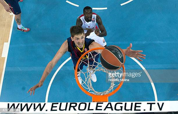 Tibor Pleiss #21 of FC Barcelona in action during the 20142015 Turkish Airlines Euroleague Basketball Play Off Game 2 between FC Barcelona v...