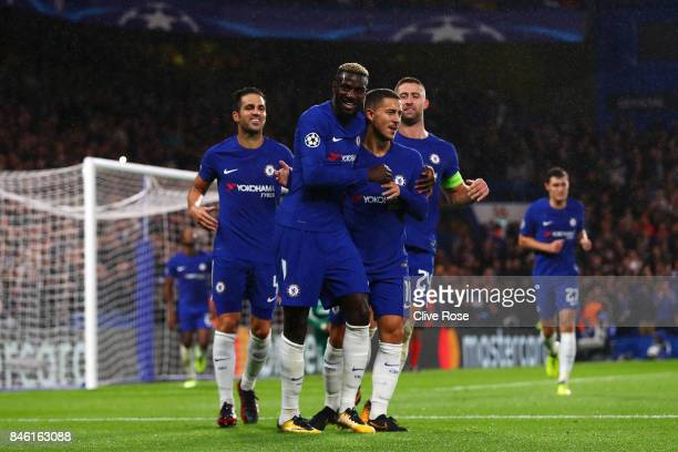 Tiemoue Bakayoko of Chelsea celebrates scoring his sides fourth goal with his Chelsea team mates during the UEFA Champions League Group C match...