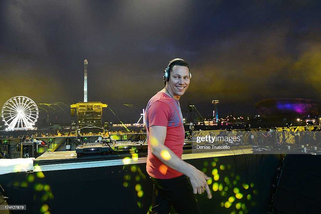 <a gi-track='captionPersonalityLinkClicked' href=/galleries/search?phrase=DJ+Tiesto&family=editorial&specificpeople=2607549 ng-click='$event.stopPropagation()'>DJ Tiesto</a> performs at the Electric Daisy Carnival: London 2013 at Queen Elizabeth Olympic Park on July 20, 2013 in London, England.