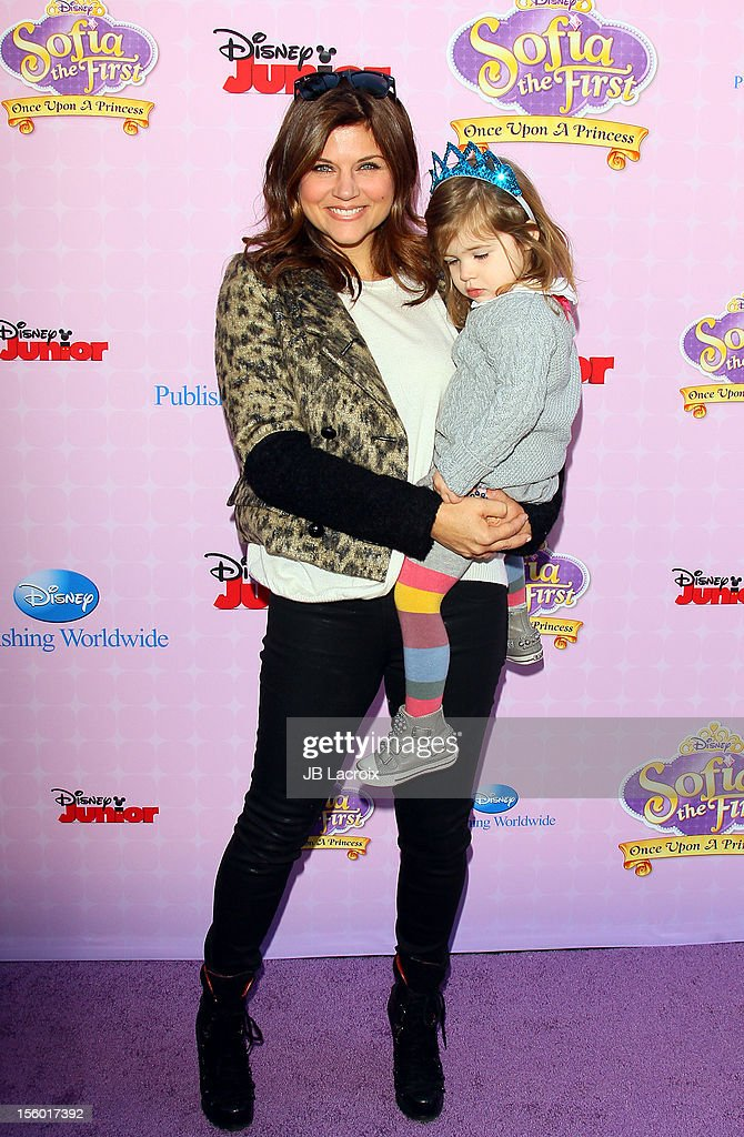 <a gi-track='captionPersonalityLinkClicked' href=/galleries/search?phrase=Tiffani+Thiessen&family=editorial&specificpeople=221649 ng-click='$event.stopPropagation()'>Tiffani Thiessen</a> attends the premiere of Disney Channels' 'Sofia The First: Once Upon a Princess' at Walt Disney Studios on November 10, 2012 in Burbank, California.