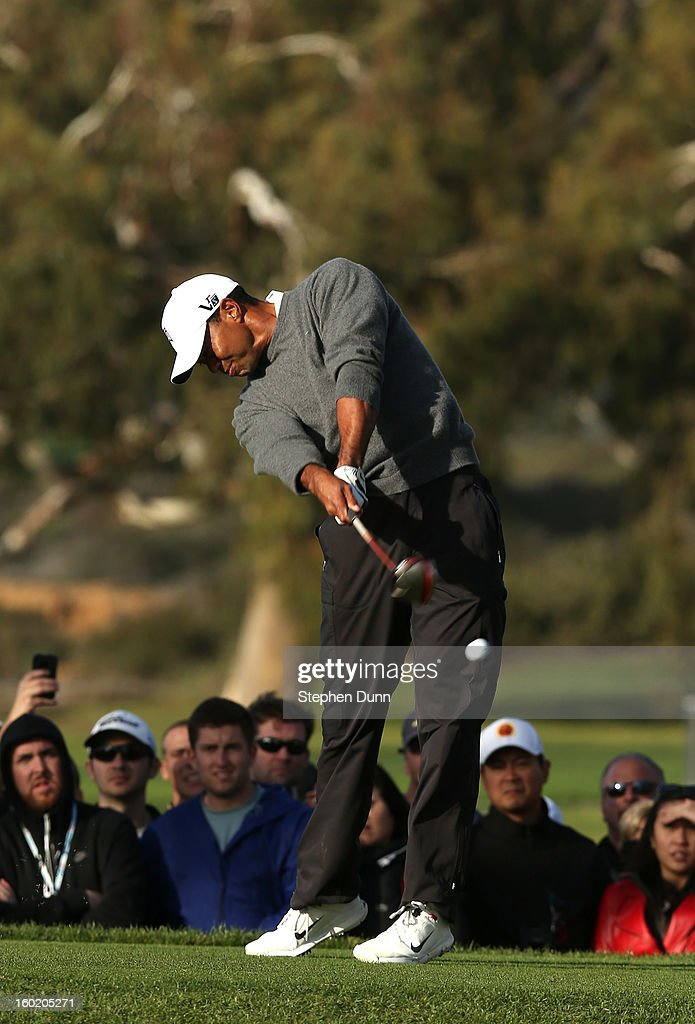 Tiger Woods hits his tee shot on the second hole during the final round of the Farmers Insurance Open on the South Course at Torrey Pines Golf Course on January 27, 2013 in La Jolla, California.