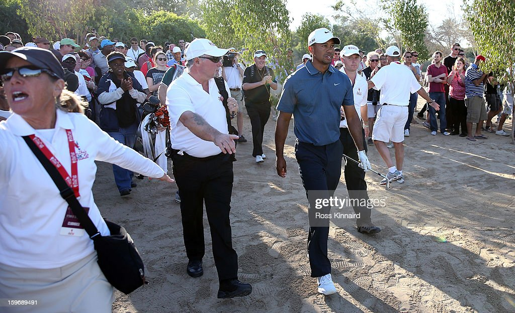 <a gi-track='captionPersonalityLinkClicked' href=/galleries/search?phrase=Tiger+Woods&family=editorial&specificpeople=157537 ng-click='$event.stopPropagation()'>Tiger Woods</a> of the USA on the 18th hole during the second round of the Abu Dhabi HSBC Golf Championship at the Abu Dhabi Golf Club on January 18, 2013 in Abu Dhabi, United Arab Emirates.