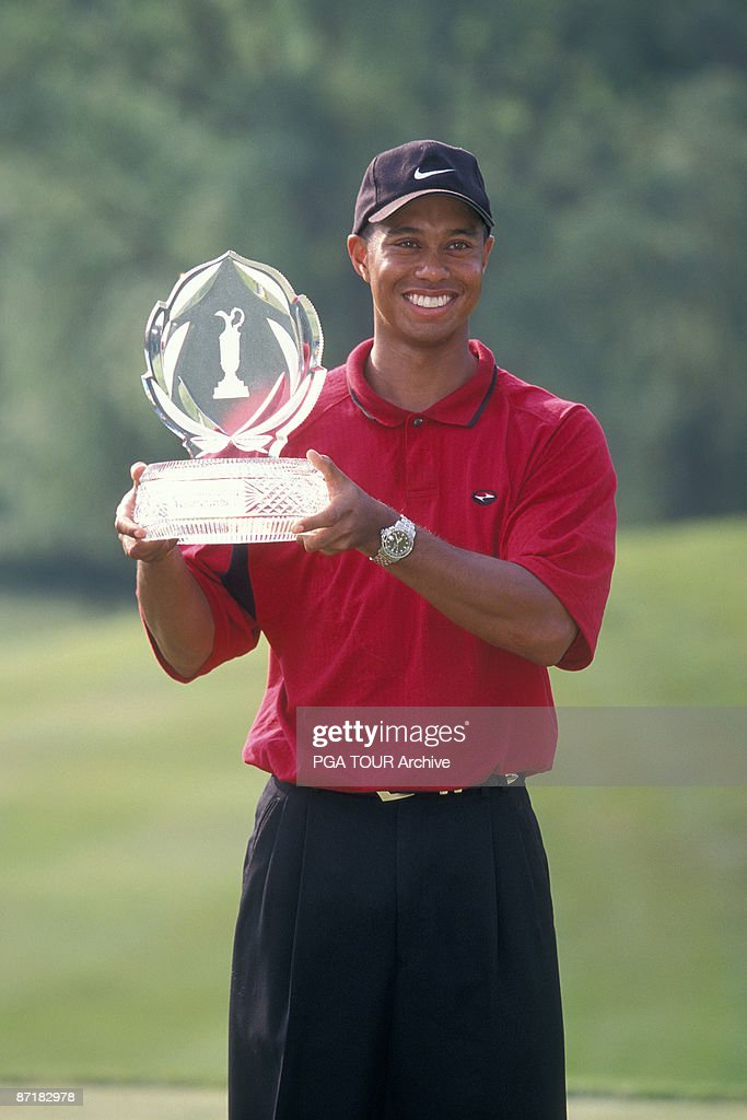 Tiger Woods wins the 1999 Memorial