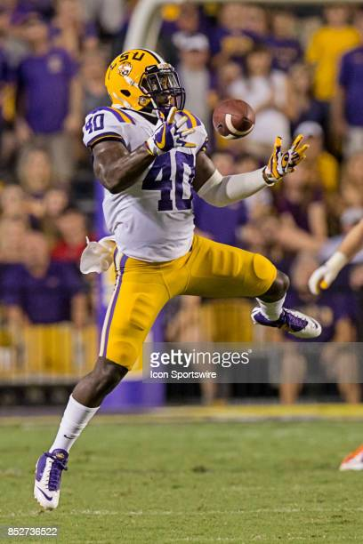 Tigers linebacker Devin White drops an interception against Syracuse Orange during a college football game between the LSU Tigers and the Syracuse...