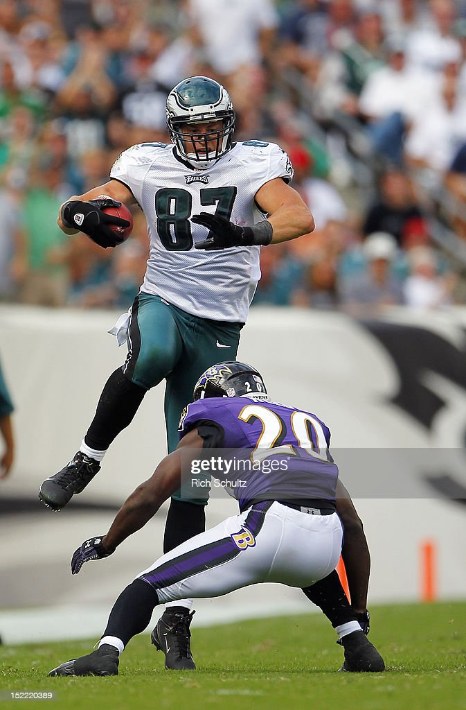 Tight end <a gi-track='captionPersonalityLinkClicked' href=/galleries/search?phrase=Brent+Celek&family=editorial&specificpeople=2557212 ng-click='$event.stopPropagation()'>Brent Celek</a> #87 of the Philadelphia Eagles leaps over safety <a gi-track='captionPersonalityLinkClicked' href=/galleries/search?phrase=Ed+Reed&family=editorial&specificpeople=194933 ng-click='$event.stopPropagation()'>Ed Reed</a> #20 for a first down in the third quarter during a game at Lincoln Financial Field on September 16, 2012 in Philadelphia, Pennsylvania. The Eagles defeated the Ravens 24-23.