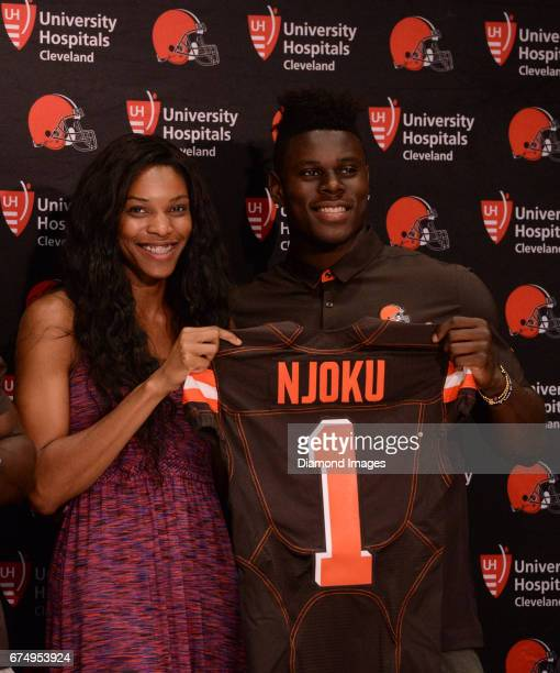 Tight end David Njoku of the Cleveland Browns poses for a picture with his sister Faith Njoku during a press conference after the first round of the...