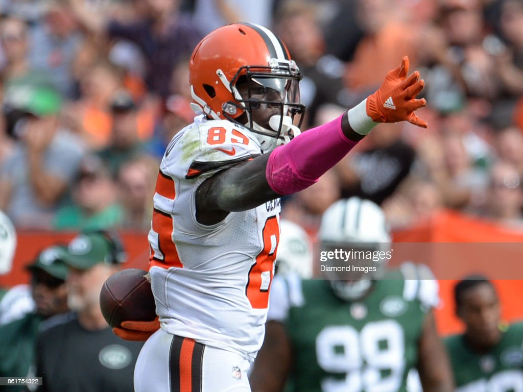 Tight end David Njoku #85 of the Cleveland Browns signals first down after catching a pass in the third quarter of a game on October 8, 2017 against the New York Jets at FirstEnergy Stadium in Cleveland, Ohio. New York won 17-14.
