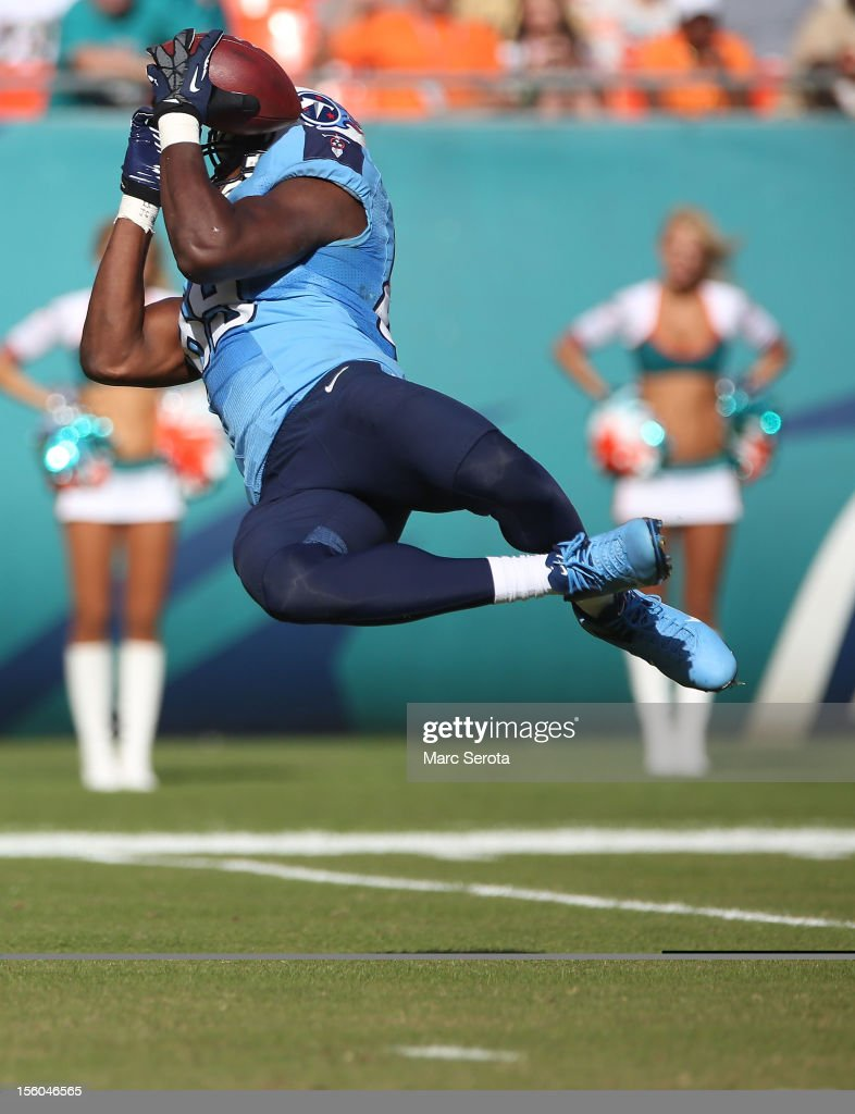 Tight end Jared Cook #89 of the Tennessee Titans catches a touchdown against the Miami Dolphins at Sun Life Stadium on November 11, 2012 in Miami Gardens, Florida.