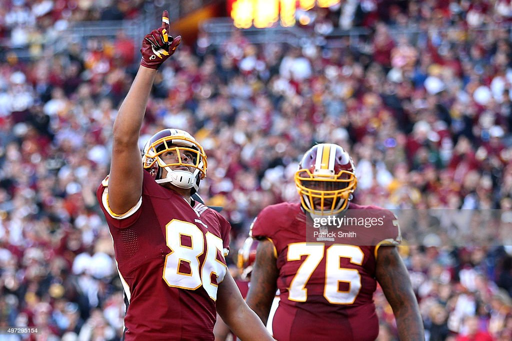 Tight end Jordan Reed #86 of the Washington Redskins celebrates a touchdown against the New Orleans Saints in the third quarter at FedExField on November 15, 2015 in Landover, Maryland. The Washington Redskins won, 47-14.
