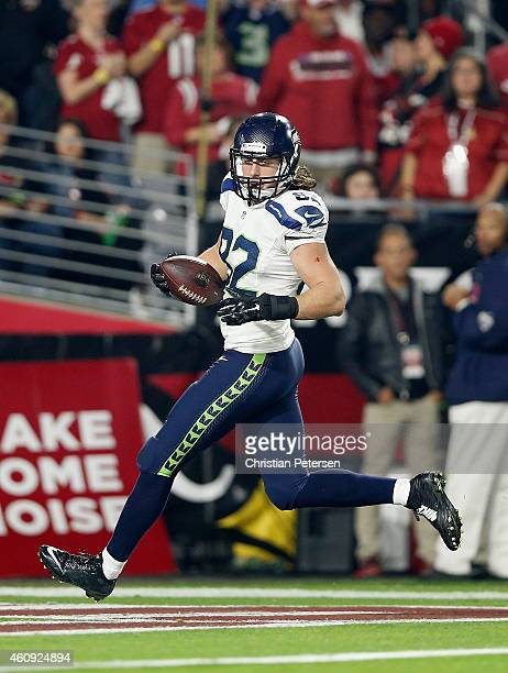 Tight end Luke Willson of the Seattle Seahawks scores on a 80 yard touchdown reception in the second quarter against the Arizona Cardinals at the...