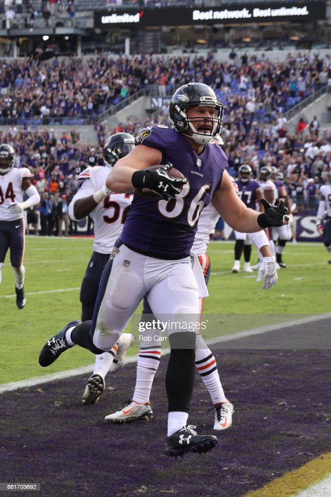 Tight End Nick Boyle #86 of the Baltimore Ravens catches a two point conversion in the fourth quarter against the Chicago Bears at M&T Bank Stadium on October 15, 2017 in Baltimore, Maryland.