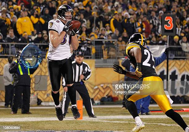 Tight end Todd Heap of the Baltimore Ravens catches the ball for a touchdown against the Pittsburgh Steelers in the second quarter of the AFC...