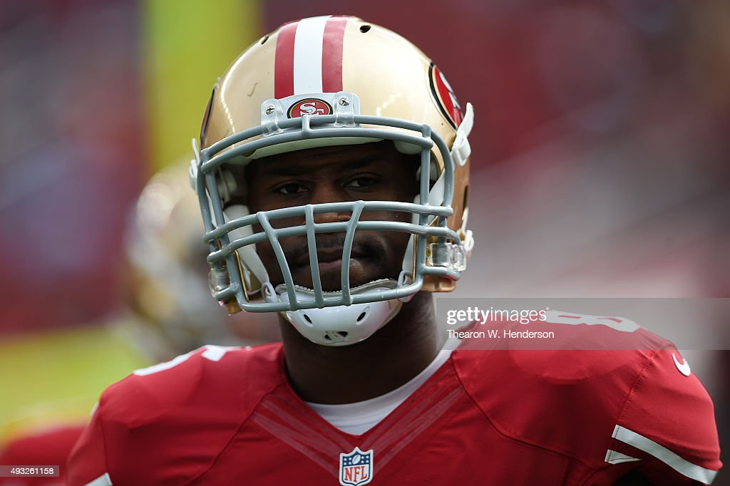 Tight end Vernon Davis of the San Francisco 49ers warms up prior to playing the Baltimore Ravens in their NFL game at Levi's Stadium on October 18...