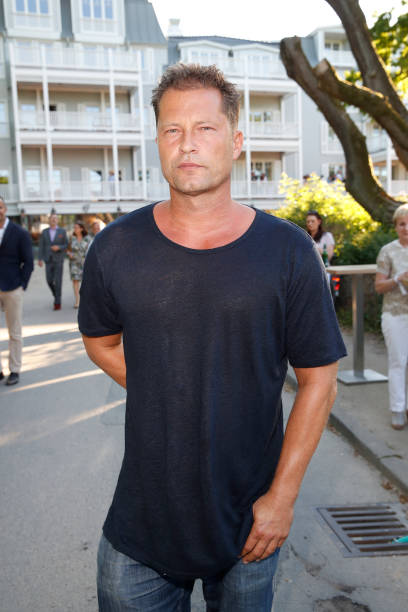fotos und bilder von til schweiger opens his 39 barefoot hotel 39 at timmendorf beach getty images. Black Bedroom Furniture Sets. Home Design Ideas