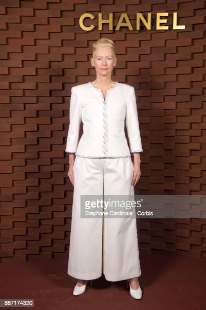 Tilda Swinton attends the Chanel Collection Metiers d'Art Paris Hamburg 2017/18 on December 6 2017 in Hamburg Germany