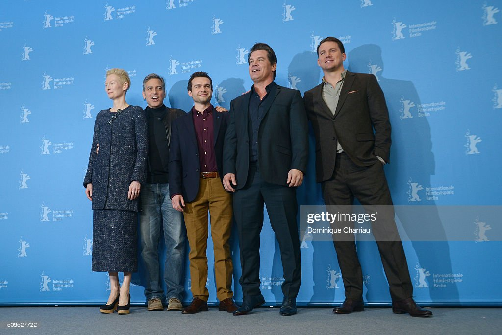 <a gi-track='captionPersonalityLinkClicked' href=/galleries/search?phrase=Tilda+Swinton&family=editorial&specificpeople=202991 ng-click='$event.stopPropagation()'>Tilda Swinton</a>, <a gi-track='captionPersonalityLinkClicked' href=/galleries/search?phrase=George+Clooney&family=editorial&specificpeople=202529 ng-click='$event.stopPropagation()'>George Clooney</a>, <a gi-track='captionPersonalityLinkClicked' href=/galleries/search?phrase=Alden+Ehrenreich&family=editorial&specificpeople=4069445 ng-click='$event.stopPropagation()'>Alden Ehrenreich</a>, <a gi-track='captionPersonalityLinkClicked' href=/galleries/search?phrase=Josh+Brolin&family=editorial&specificpeople=243198 ng-click='$event.stopPropagation()'>Josh Brolin</a> and <a gi-track='captionPersonalityLinkClicked' href=/galleries/search?phrase=Channing+Tatum&family=editorial&specificpeople=549548 ng-click='$event.stopPropagation()'>Channing Tatum</a> attend the 'Hail, Caesar!' photo call during the 66th Berlinale International Film Festival Berlin at Grand Hyatt Hotel on February 11, 2016 in Berlin, Germany.