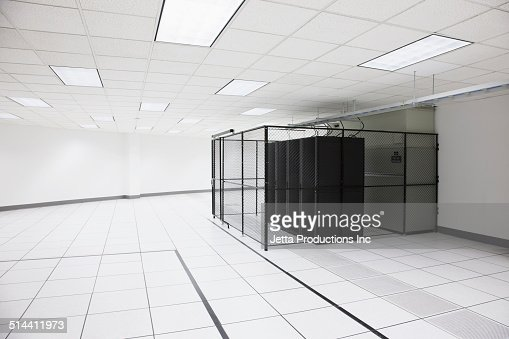 Server Room Lighting : Tile and lighting in server room stock foto getty images