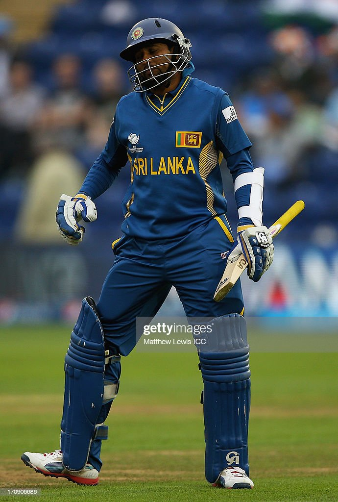 <a gi-track='captionPersonalityLinkClicked' href=/galleries/search?phrase=Tillakaratne+Dilshan&family=editorial&specificpeople=239186 ng-click='$event.stopPropagation()'>Tillakaratne Dilshan</a> of Sri Lanka retires hurt during the ICC Champions Trophy Semi Final match between India and Sri Lanka at SWALEC Stadium on June 20, 2013 in Cardiff, Wales.