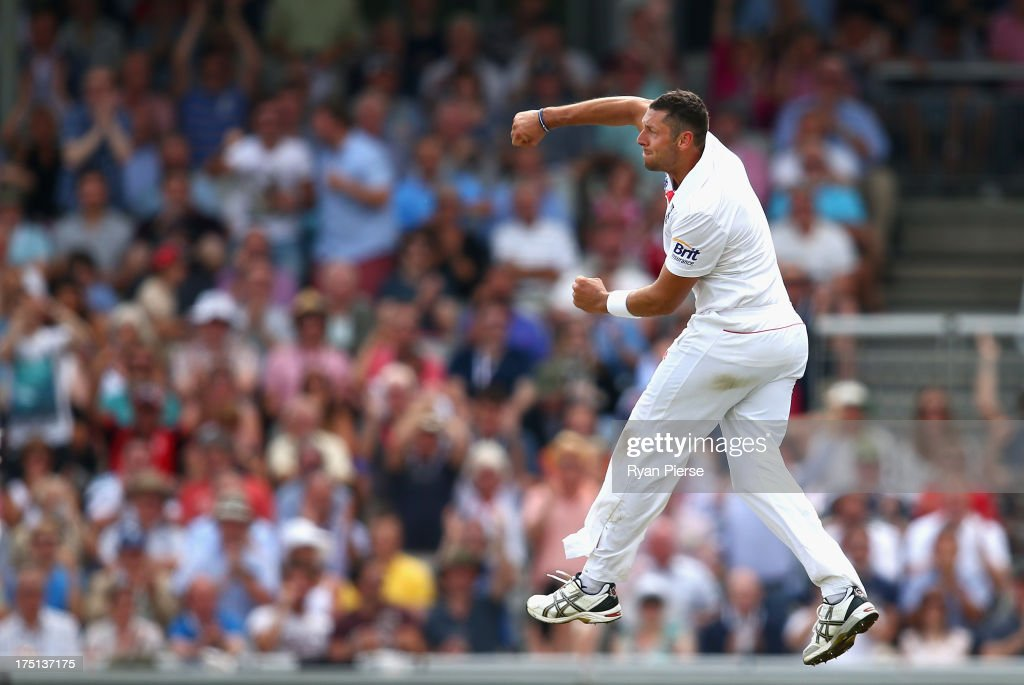 <a gi-track='captionPersonalityLinkClicked' href=/galleries/search?phrase=Tim+Bresnan&family=editorial&specificpeople=571509 ng-click='$event.stopPropagation()'>Tim Bresnan</a> of England celebrates after taking the wicket of Shane Watson of Australia during day one of the 3rd Investec Ashes Test match between England and Australia at Old Trafford Cricket Ground on August 1, 2013 in Manchester, England.