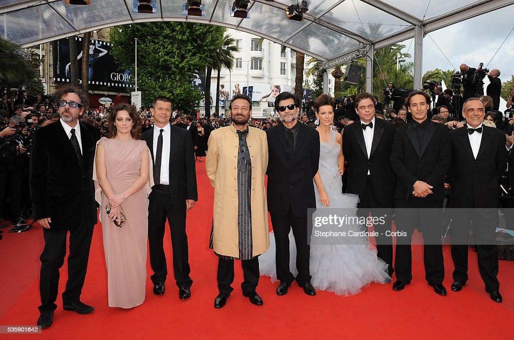 Tim Burton, Giovanna Mezzogiorno, Emmanuel Carrere, Shekhar Kapur, Victor Erice, Kate Beckinsale, Benicio Del Toro, Alexandre Desplat, and Alberto Barbera at the premiere of ?Robin Hood? during the 63rd Cannes International Film Festival.