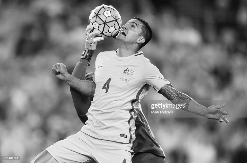 Tim Cahill of Australia competes for a header with Donis Escober of Honduras during the 2018 FIFA World Cup Qualifiers Leg 2 match between the Australian Socceroos and Honduras at ANZ Stadium on November 15, 2017 in Sydney, Australia.