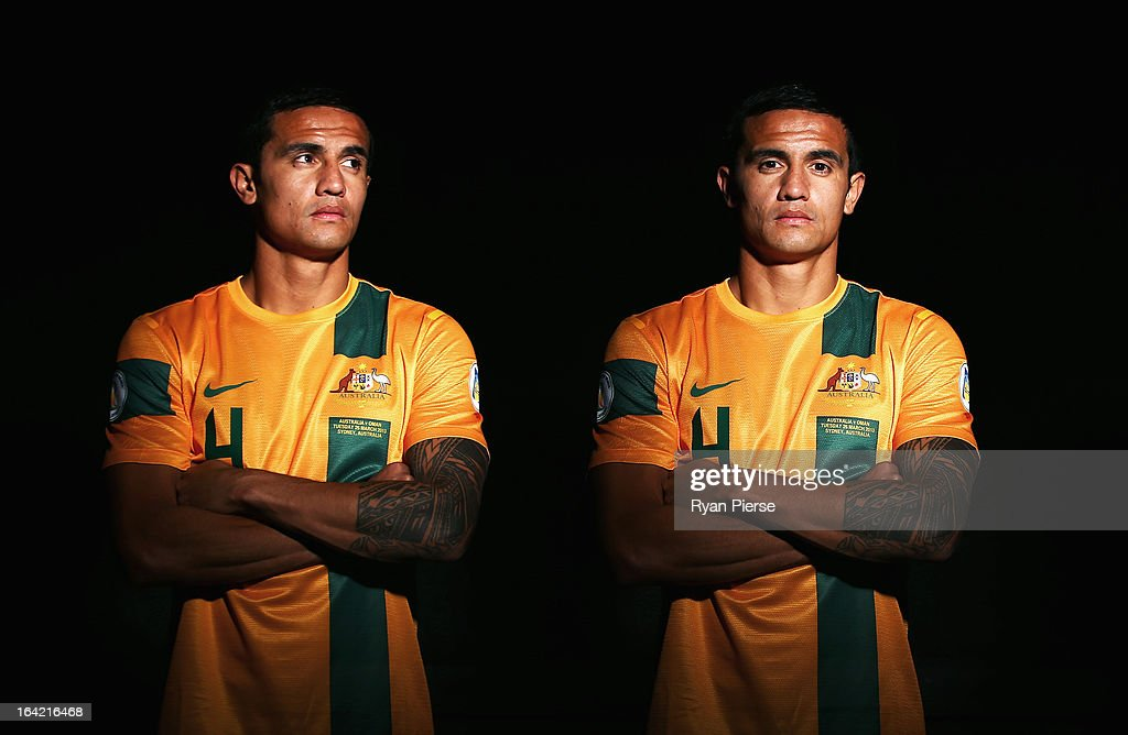 <a gi-track='captionPersonalityLinkClicked' href=/galleries/search?phrase=Tim+Cahill+-+Voetballer&family=editorial&specificpeople=209085 ng-click='$event.stopPropagation()'>Tim Cahill</a> of Australia poses during a Socceroos Portrait Session on March 21, 2013 in Sydney, Australia.