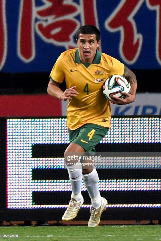 Tim Cahill of Australia scores the first goal for Australia during the international friendly match between Japan and Australia at Nagai Stadium on November 18, 2014 in Osaka, Japan.