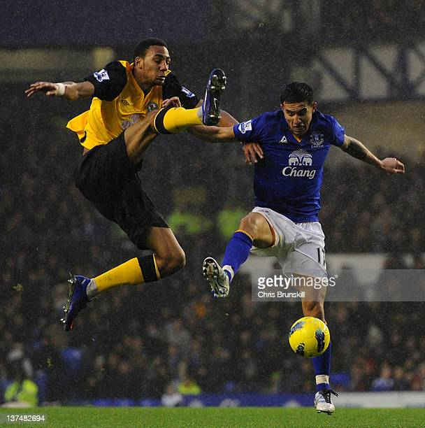 Tim Cahill of Everton in action with Steven Nzonzi of Blackburn Rovers during the Barclays Premier League match between Everton and Blackburn Rovers...