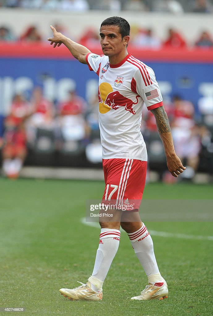 <a gi-track='captionPersonalityLinkClicked' href=/galleries/search?phrase=Tim+Cahill+-+Soccer+Player&family=editorial&specificpeople=209085 ng-click='$event.stopPropagation()'>Tim Cahill</a> of New York Red Bulls the pre season match between New York Red Bulls and Arsenal at Red Bull Arena on July 26, 2014 in Harrison, New Jersey.