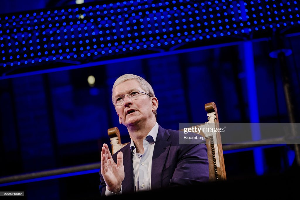 <a gi-track='captionPersonalityLinkClicked' href=/galleries/search?phrase=Tim+Cook+-+F%C3%B6retagsledare&family=editorial&specificpeople=8084206 ng-click='$event.stopPropagation()'>Tim Cook</a>, chief executive officer of Apple Inc., speaks during the opening of 'Startup Fest', a five-day conference to showcase Dutch innovation, in Amsterdam, Netherlands, on Tuesday, May 24, 2016. The Digital City Index for 2015 ranked Amsterdam Europe's second-best city, behind London, for tech startups. Photographer: Marlene Awaad/Bloomberg via Getty Images