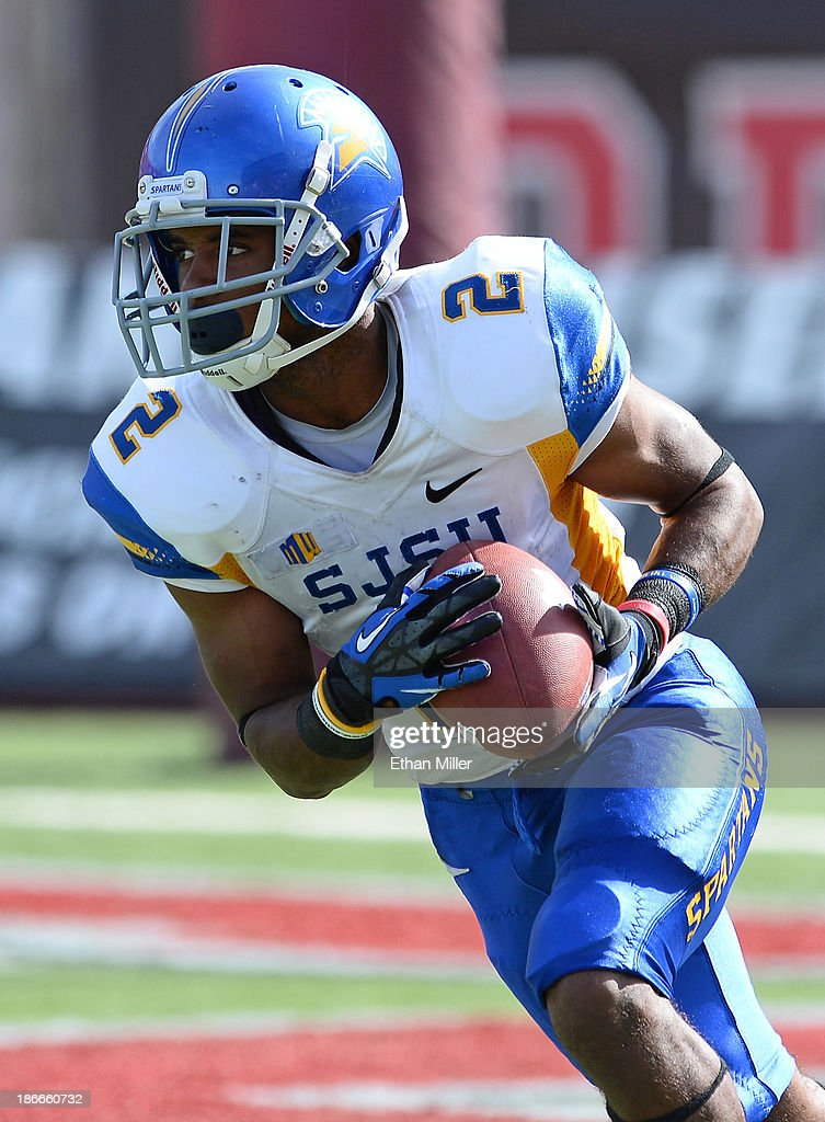 Tim Crawley of the San Jose State Spartans returns a kickoff against the UNLV Rebels during the first quarter of their game at Sam Boyd Stadium on...