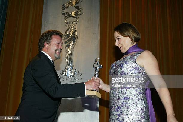 Tim Curry presents Colleen Atwood the Excellance In Film Period/Fantasy for her costume designing for 'Chicago'