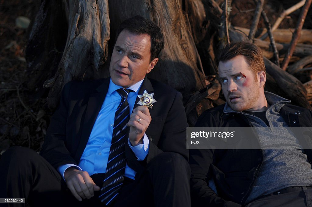Tim DeKay and Rob Kazinsky in the 'When You Have To Go There They Have To Take You In' episode of SECOND CHANCE airing Friday March 11 on FOX