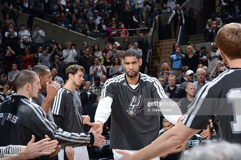 Tim Duncan #21 of the San Antonio Spurs gets ready prior to the Brooklyn Nets v San Antonio Spurs on December 31, 2012 at the AT&T Center in San Antonio, Texas.
