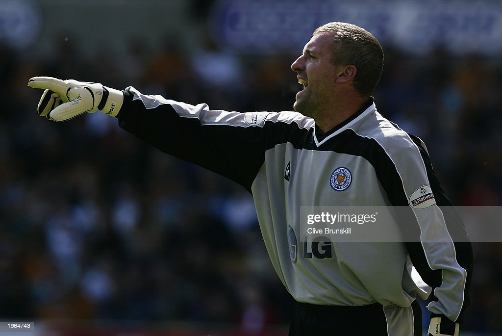 Tim Flowers of Leicester City shouts to a team mate during the Nationwide First Division match between Wolverhampton Wanderers and Leicester City held on May 4, 2003 at the Molineux Stadium in Wolverhampton, England. The match ended in a 1-1 draw.