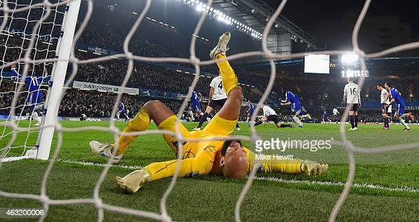 Tim Howard of Everton reacts after Willian of Chelsea scores the winning goal during the Barclays Premier League match between Chelsea and Everton at...