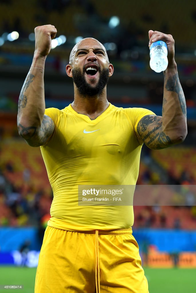 <a gi-track='captionPersonalityLinkClicked' href=/galleries/search?phrase=Tim+Howard+-+Soccer+Player&family=editorial&specificpeople=11515558 ng-click='$event.stopPropagation()'>Tim Howard</a> of the United States acknowledges the fans after the 2-2 draw in the 2014 FIFA World Cup Brazil Group G match between USA and Portugal at Arena Amazonia on June 22, 2014 in Manaus, Brazil.