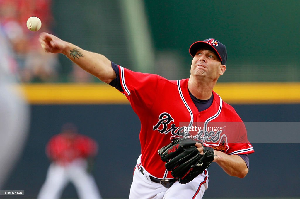<a gi-track='captionPersonalityLinkClicked' href=/galleries/search?phrase=Tim+Hudson&family=editorial&specificpeople=203108 ng-click='$event.stopPropagation()'>Tim Hudson</a> #15 of the Atlanta Braves pitches to the Washington Nationals at Turner Field on May 25, 2012 in Atlanta, Georgia.