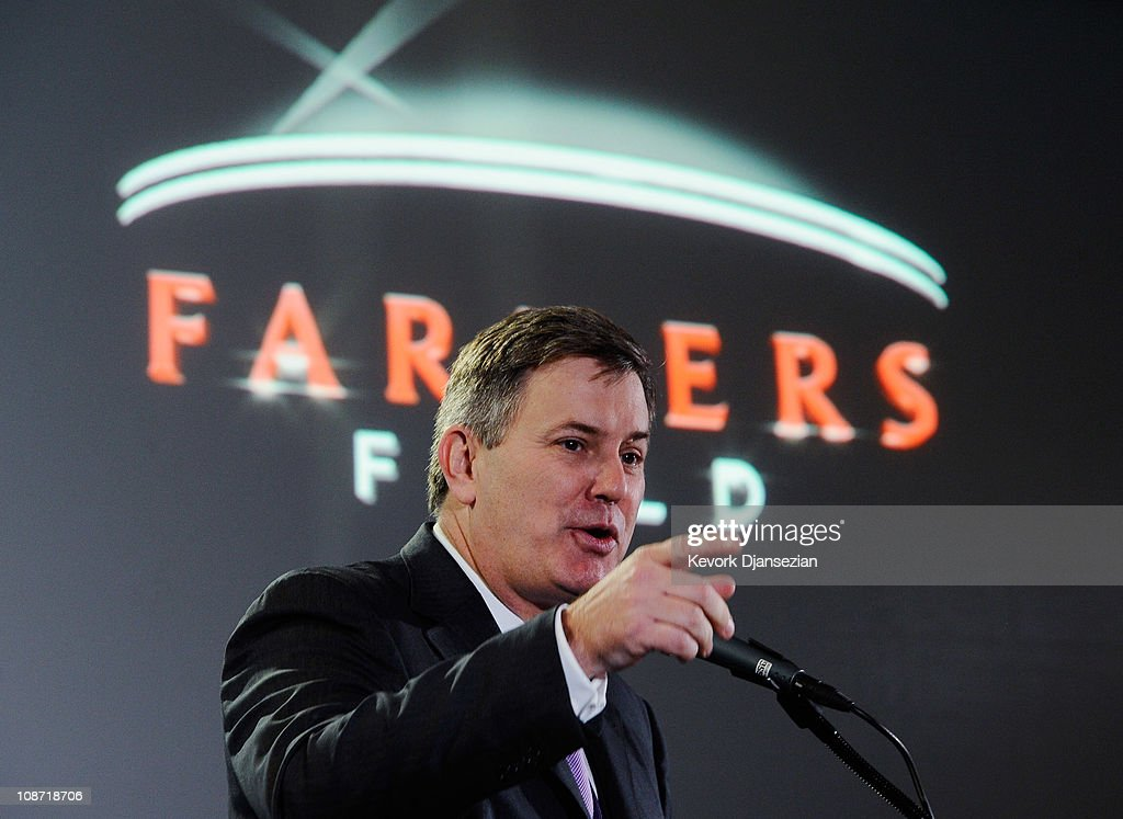 <a gi-track='captionPersonalityLinkClicked' href=/galleries/search?phrase=Tim+Leiweke&family=editorial&specificpeople=676996 ng-click='$event.stopPropagation()'>Tim Leiweke</a>, President and CEO of AEG during an event announcing naming rights for the new football stadium Farmers Field at Los Angeles Convention Center on February 1, 2011 in Los Angeles, California. AEG has reportedly sold the naming rights for the proposed stadium to Farmers Insurance Exchange for $650,000, calling the stadium 'Farmers Field.'