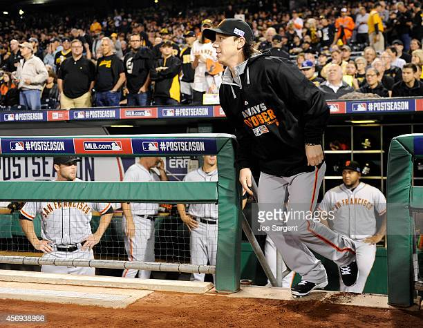 Tim Lincecum of the San Francisco Giants jogs out onto the field during player introductions before the National League Wild Card game against the...