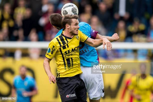 Tim Matavz of Vitesse Moreno Rutten of VVV during the Dutch Eredivisie match between Vitesse Arnhem and VVV Venlo at Gelredome on September 17 2017...