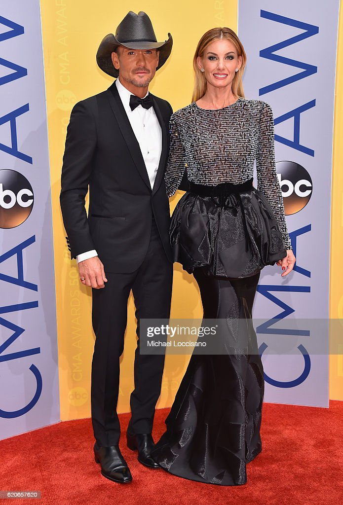 tim-mcgraw-and-faith-hill-attend-the-50th-annual-cma-awards-at-the-picture-id620657620
