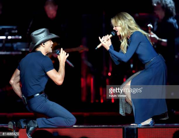 Tim McGraw and Faith Hill perform onstage during the 'Soul2Soul' World Tour at Staples Center on July 14 2017 in Los Angeles California